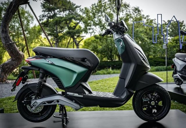 摩展上的高价电动车:比亚乔ONE,续航55km,售价却高达1.78万!-第1张图片-春风行摩托车之家