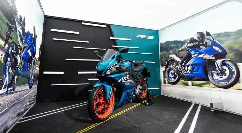 越来越多的小排量跑车到来,当红小生春风250SR该如何应对-第8张图片-春风行摩托车之家