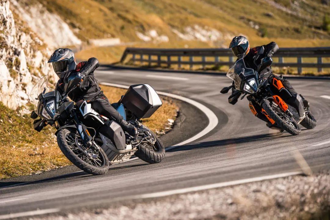 CKD威力巨大,价格调整3万左右,CKD版KTM 790 ADVENTURE & R正式发布!-第6张图片-春风行摩托车之家