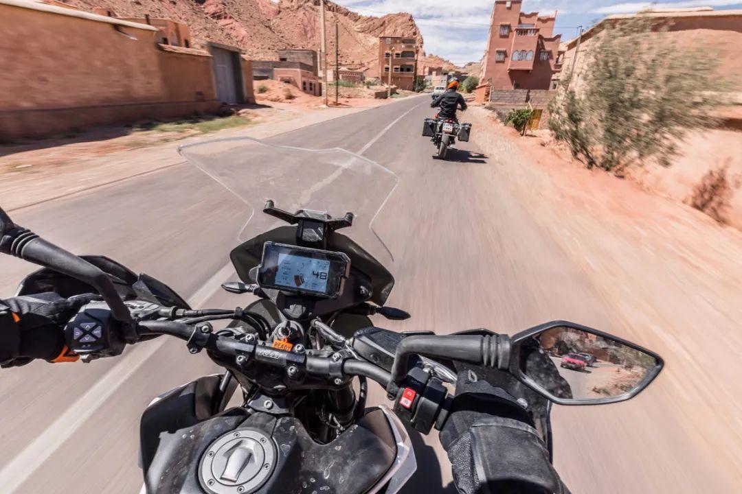 CKD威力巨大,价格调整3万左右,CKD版KTM 790 ADVENTURE & R正式发布!-第12张图片-春风行摩托车之家