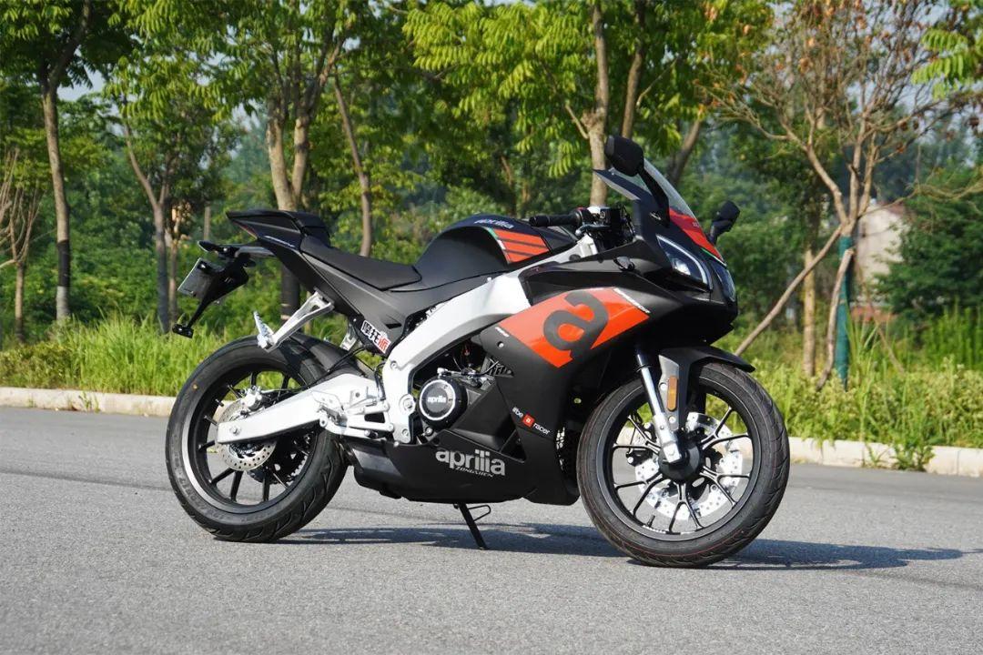 熟悉配方更猛的底料,全方位解读26800元的GPR250R-第3张图片-春风行摩托车之家