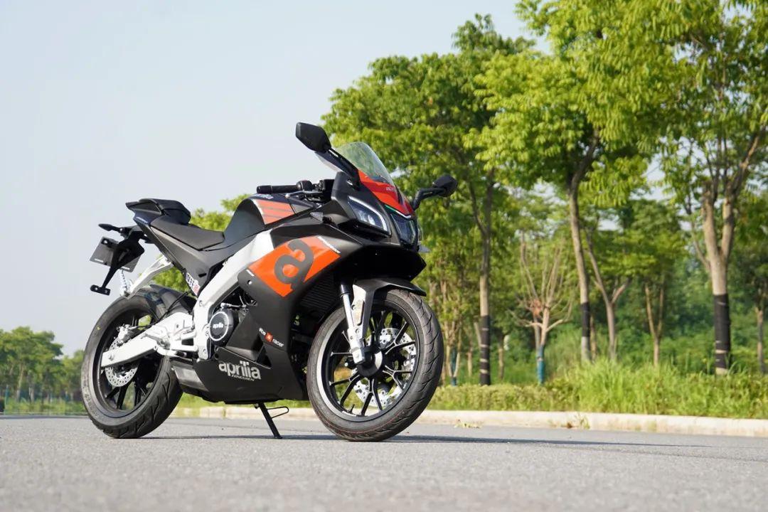 熟悉配方更猛的底料,全方位解读26800元的GPR250R-第2张图片-春风行摩托车之家