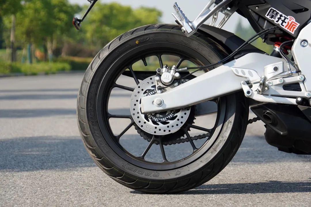 熟悉配方更猛的底料,全方位解读26800元的GPR250R-第19张图片-春风行摩托车之家