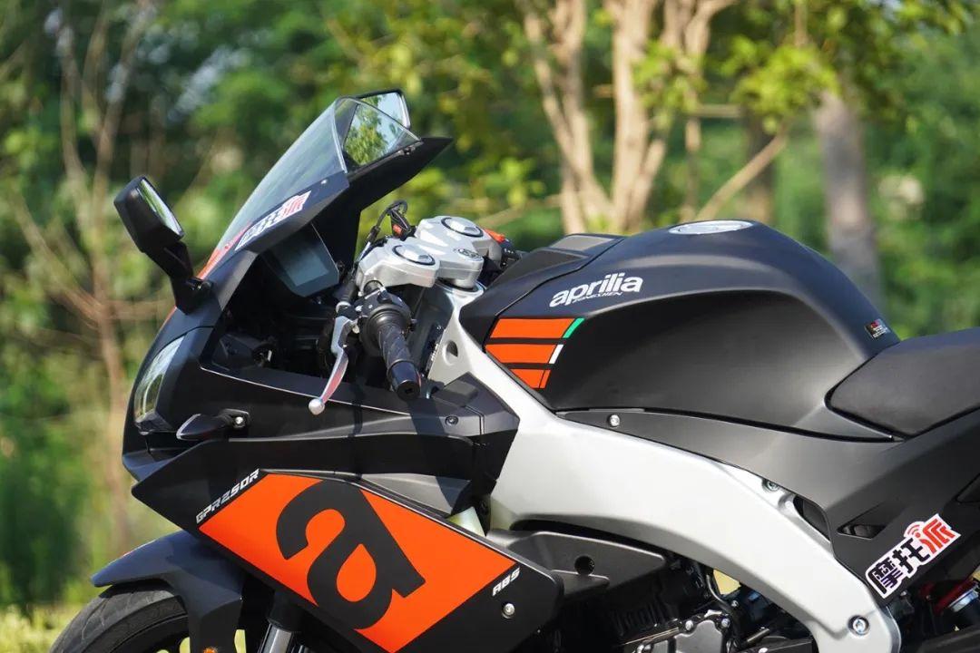 熟悉配方更猛的底料,全方位解读26800元的GPR250R-第12张图片-春风行摩托车之家