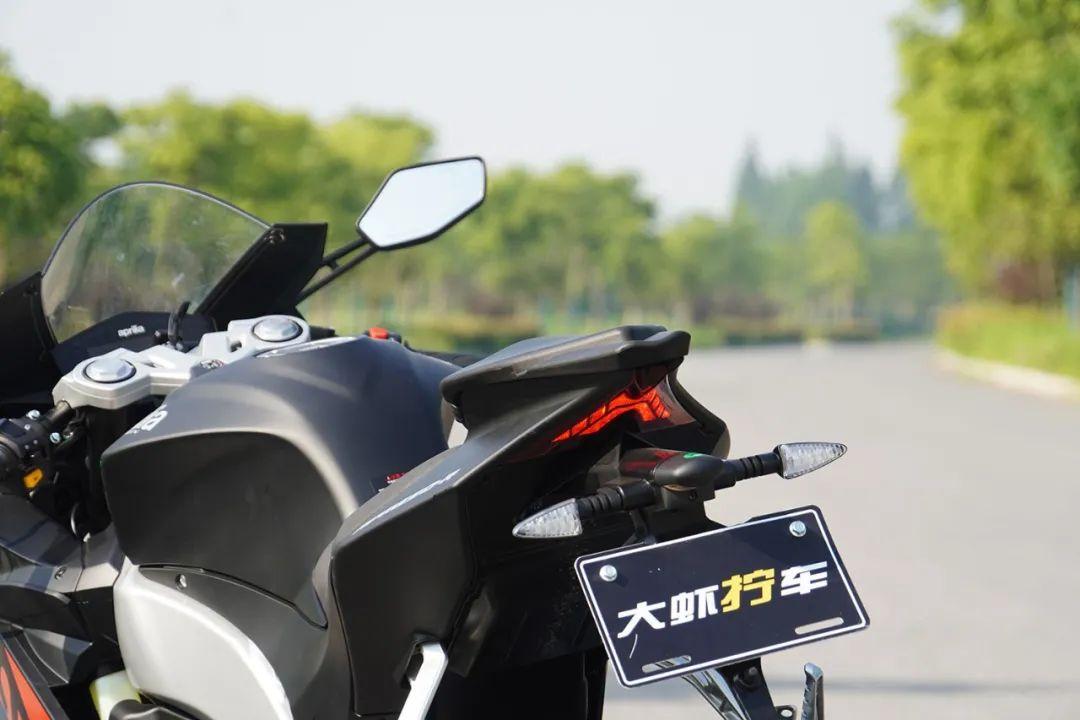 熟悉配方更猛的底料,全方位解读26800元的GPR250R-第16张图片-春风行摩托车之家