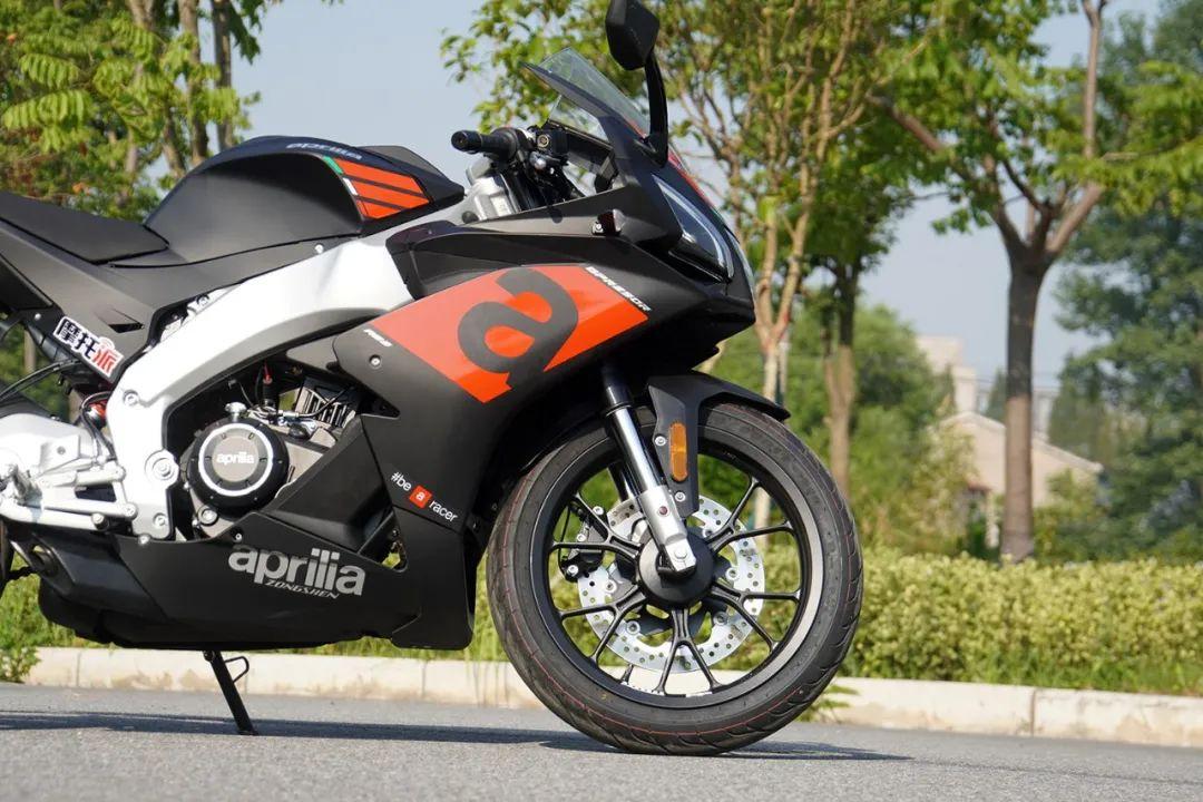 熟悉配方更猛的底料,全方位解读26800元的GPR250R-第18张图片-春风行摩托车之家