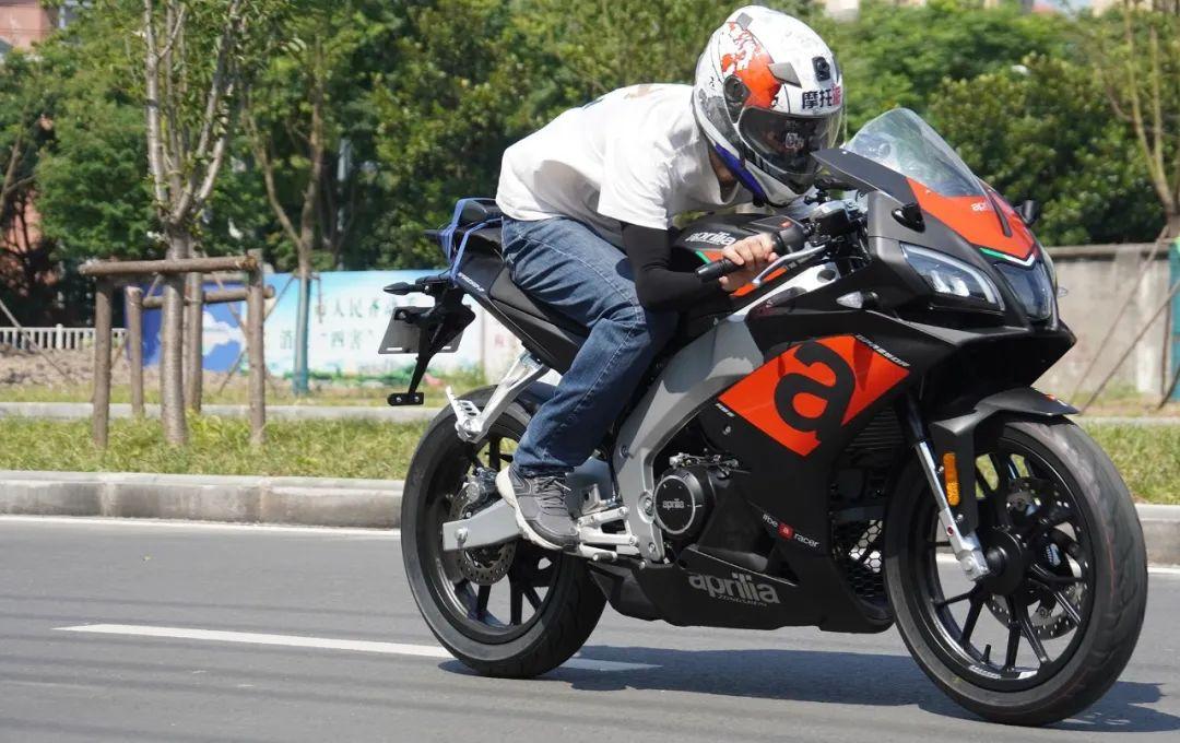 熟悉配方更猛的底料,全方位解读26800元的GPR250R-第31张图片-春风行摩托车之家