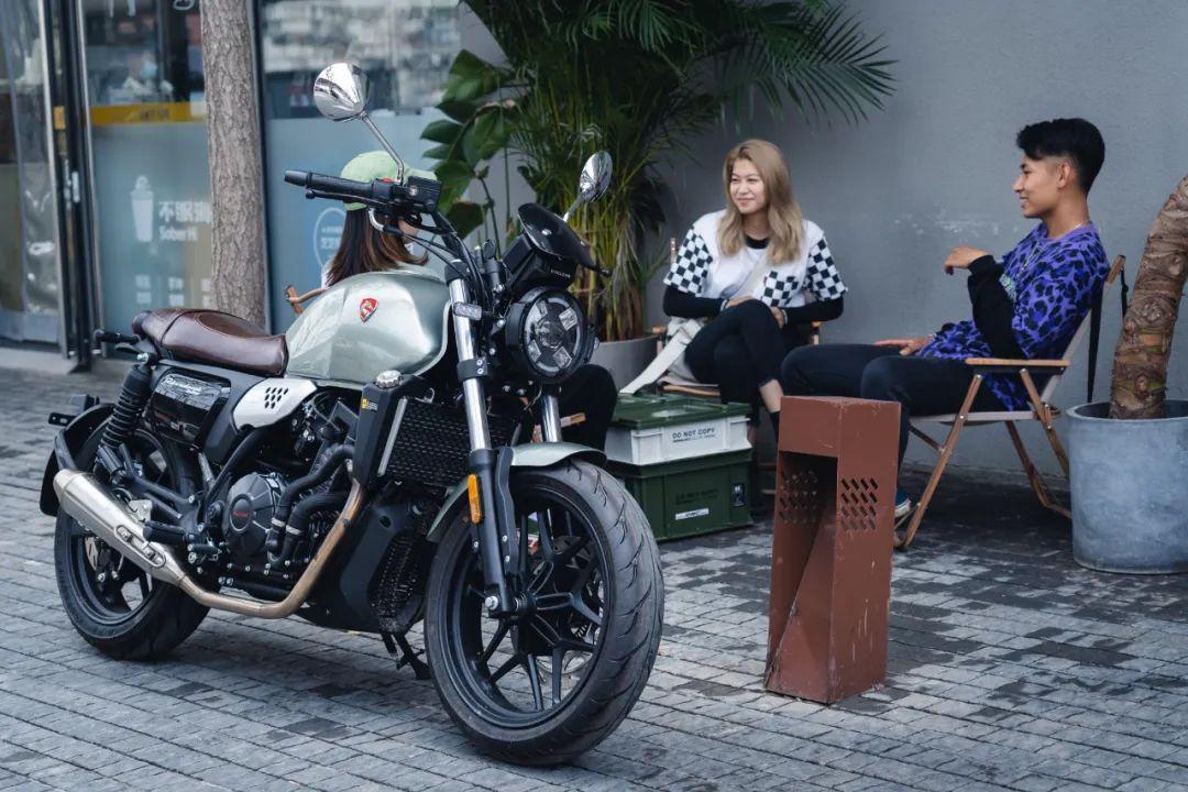 你是谁?为什么要上手英伦复古?-第23张图片-春风行摩托车之家