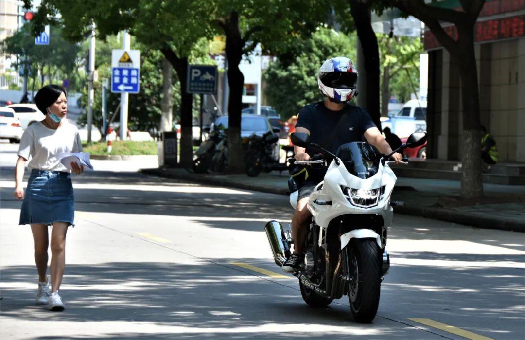 试驾街皇 ,除了情怀,CB1300还有啥?-第13张图片-春风行摩托车之家