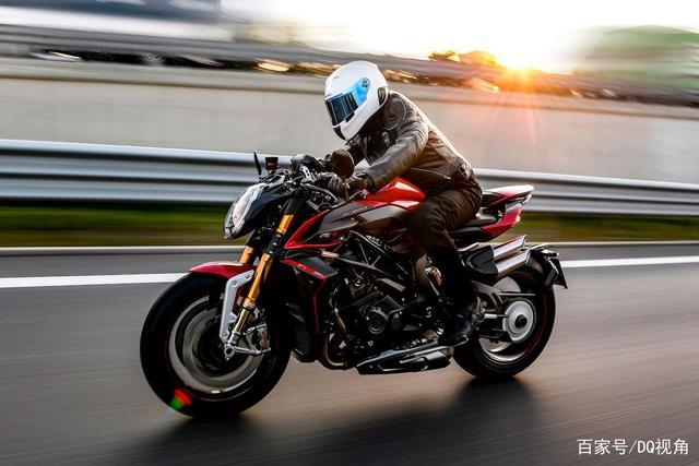 地表最强量产街车摩托,MV奥古斯塔Brutale1000RR,四出排气帅气-第1张图片-春风行摩托车之家