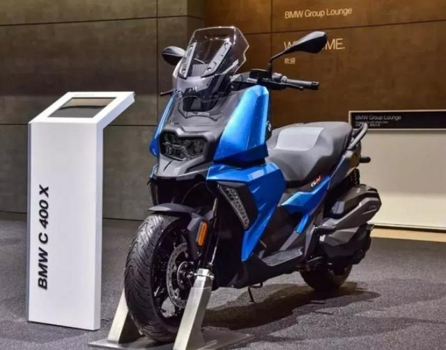 售价6.89万,解读宝马C400X踏板摩托:水冷单缸350动力,国产制造-第1张图片-春风行摩托车之家