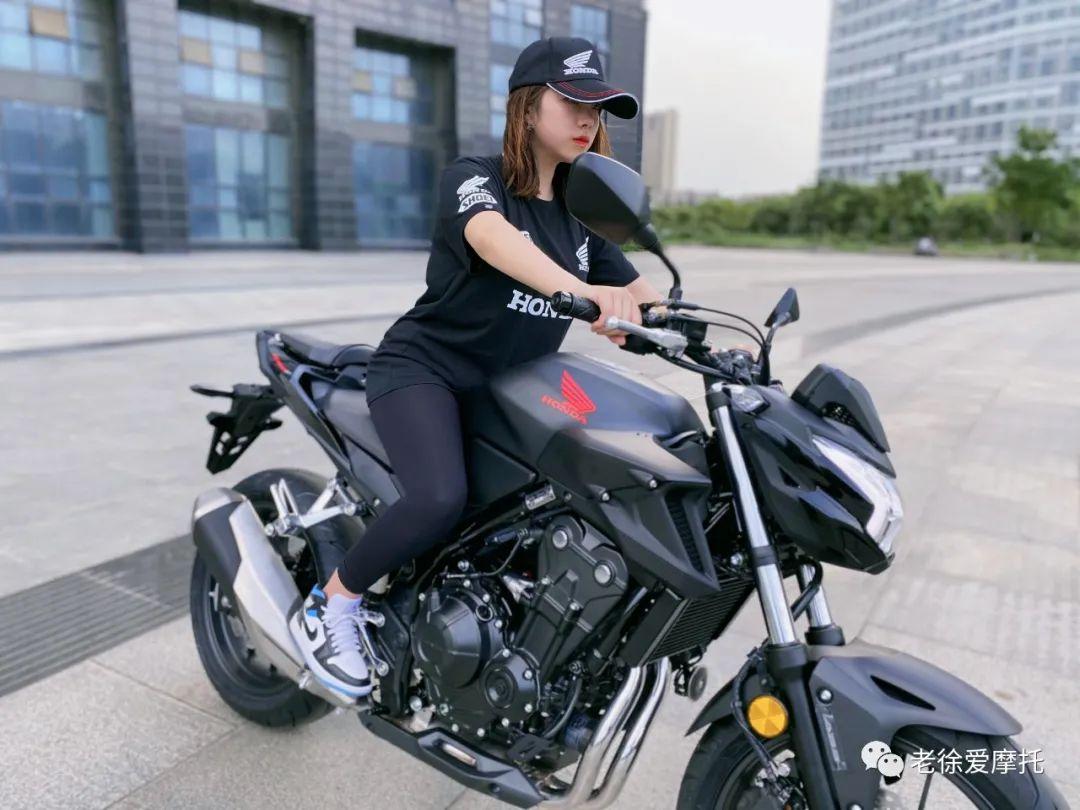 本田中排车型 - CB400F 入门级街车 实车介绍!-第6张图片-春风行摩托车之家