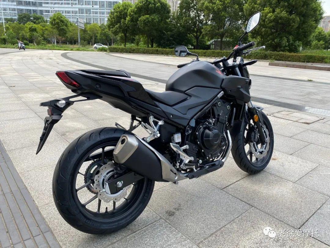 本田中排车型 - CB400F 入门级街车 实车介绍!-第12张图片-春风行摩托车之家