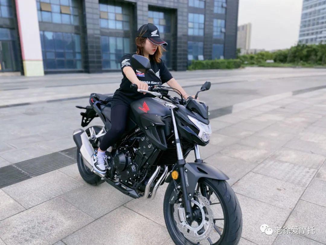本田中排车型 - CB400F 入门级街车 实车介绍!-第7张图片-春风行摩托车之家