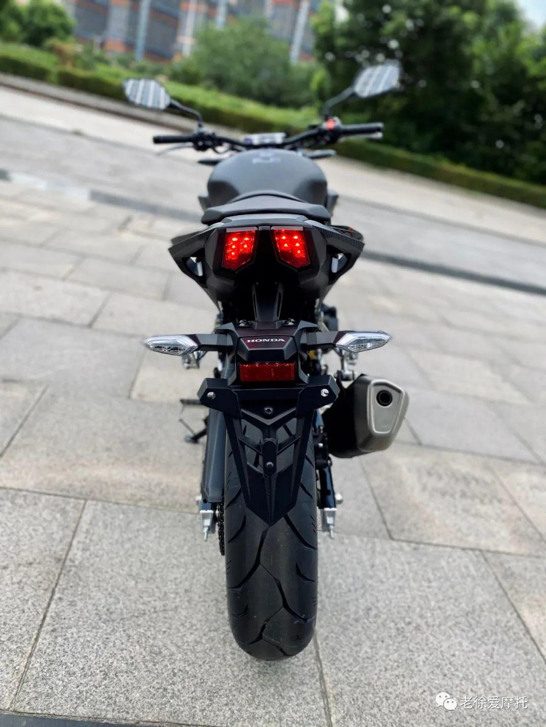 本田中排车型 - CB400F 入门级街车 实车介绍!-第49张图片-春风行摩托车之家