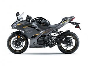 跨越界限 川崎KAWASAKI 2022年式「Ninja 400」新色上阵-第9张图片-春风行摩托车之家