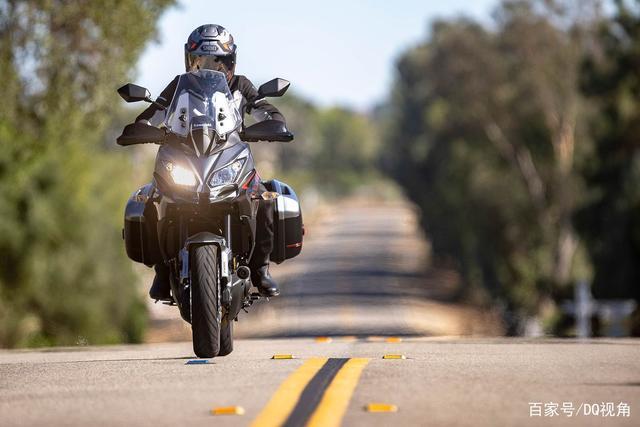 双缸水冷旅行摩托,机械三大件性能出众,但电控系统只有ABS-第1张图片-春风行摩托车之家