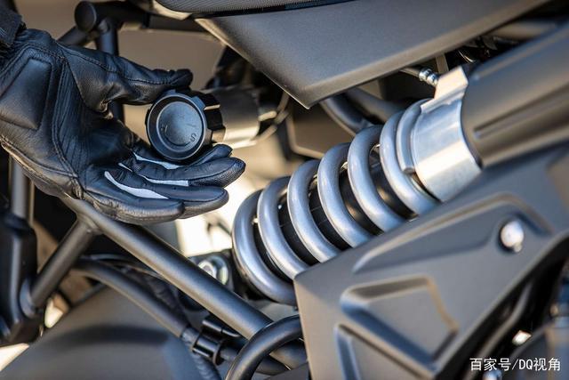双缸水冷旅行摩托,机械三大件性能出众,但电控系统只有ABS-第4张图片-春风行摩托车之家