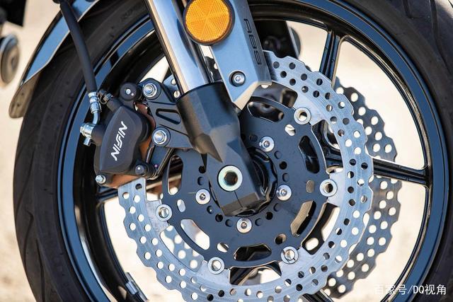 双缸水冷旅行摩托,机械三大件性能出众,但电控系统只有ABS-第5张图片-春风行摩托车之家