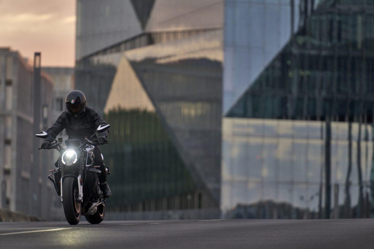 2022 MV AGUSTA Brutale 1000 RS发表:售价更亲民的行动艺术品-第15张图片-春风行摩托车之家
