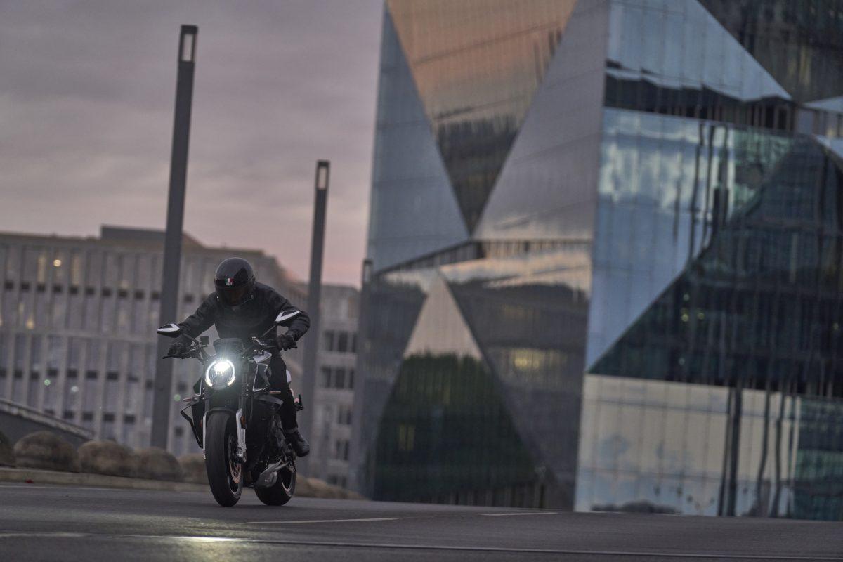 2022 MV AGUSTA Brutale 1000 RS发表:售价更亲民的行动艺术品-第17张图片-春风行摩托车之家