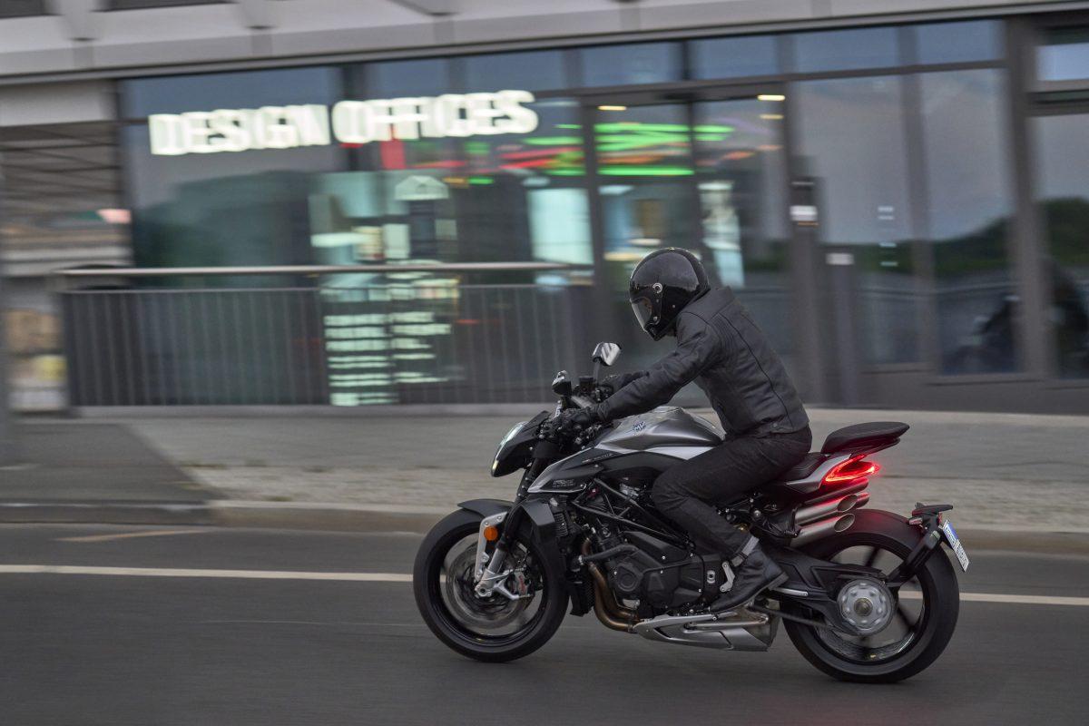 2022 MV AGUSTA Brutale 1000 RS发表:售价更亲民的行动艺术品-第18张图片-春风行摩托车之家