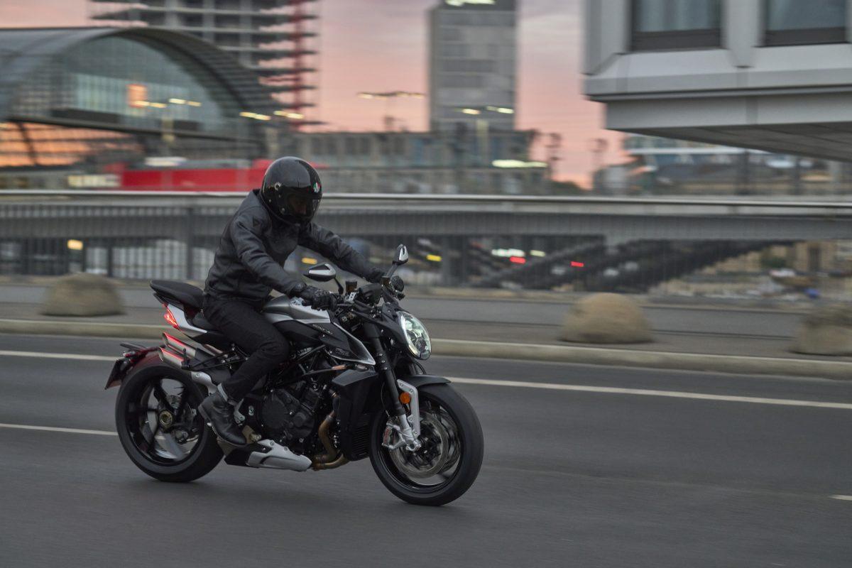 2022 MV AGUSTA Brutale 1000 RS发表:售价更亲民的行动艺术品-第20张图片-春风行摩托车之家