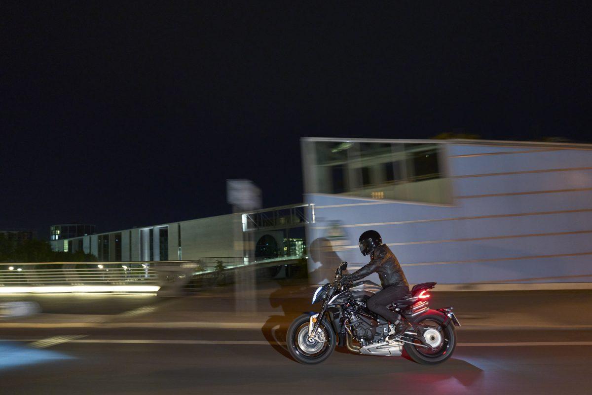 2022 MV AGUSTA Brutale 1000 RS发表:售价更亲民的行动艺术品-第26张图片-春风行摩托车之家