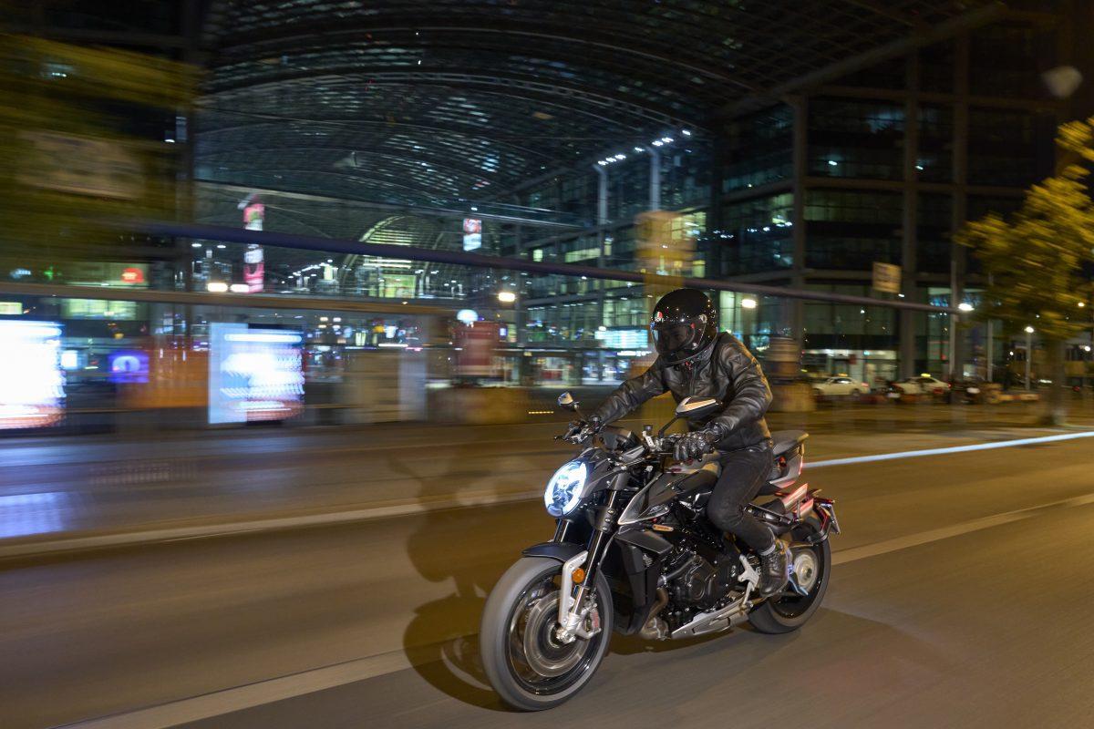 2022 MV AGUSTA Brutale 1000 RS发表:售价更亲民的行动艺术品-第28张图片-春风行摩托车之家