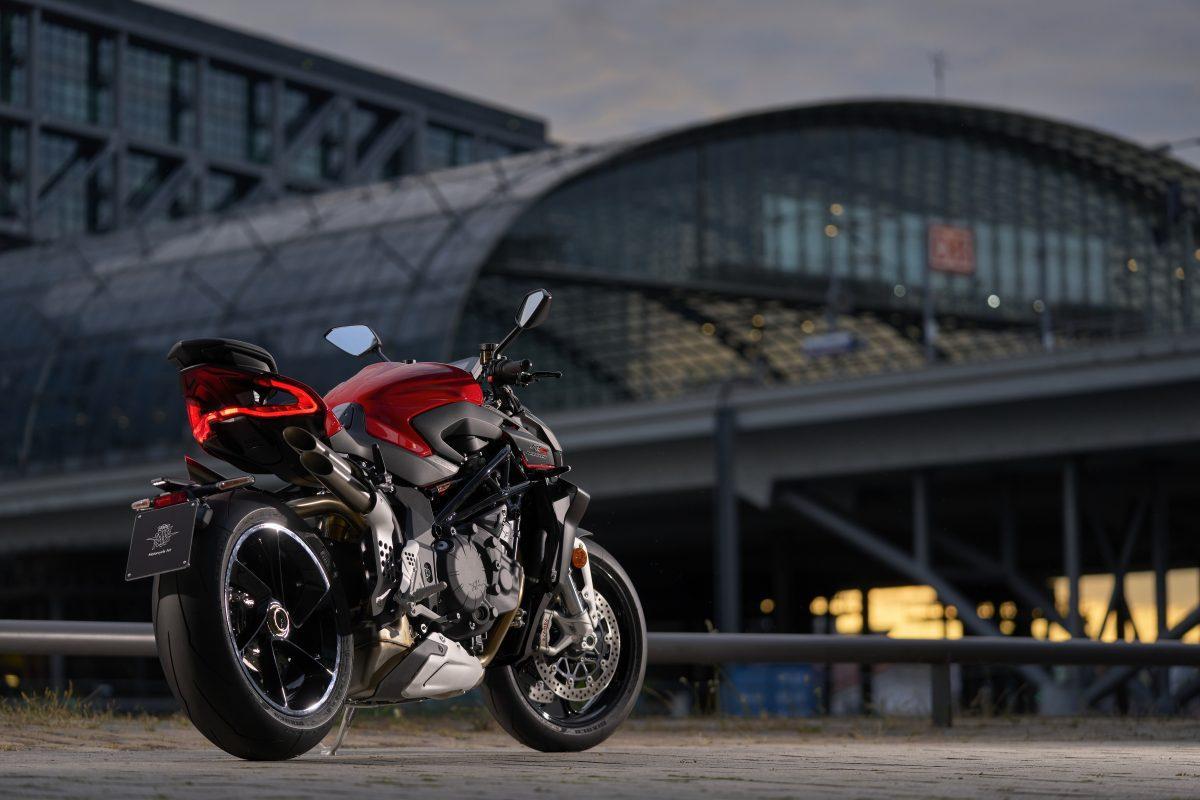 2022 MV AGUSTA Brutale 1000 RS发表:售价更亲民的行动艺术品-第40张图片-春风行摩托车之家