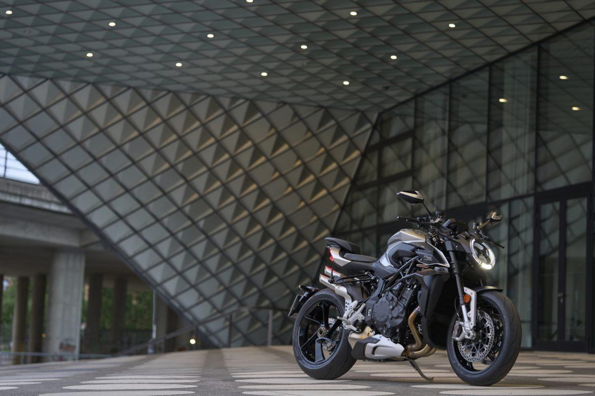 2022 MV AGUSTA Brutale 1000 RS发表:售价更亲民的行动艺术品-第43张图片-春风行摩托车之家