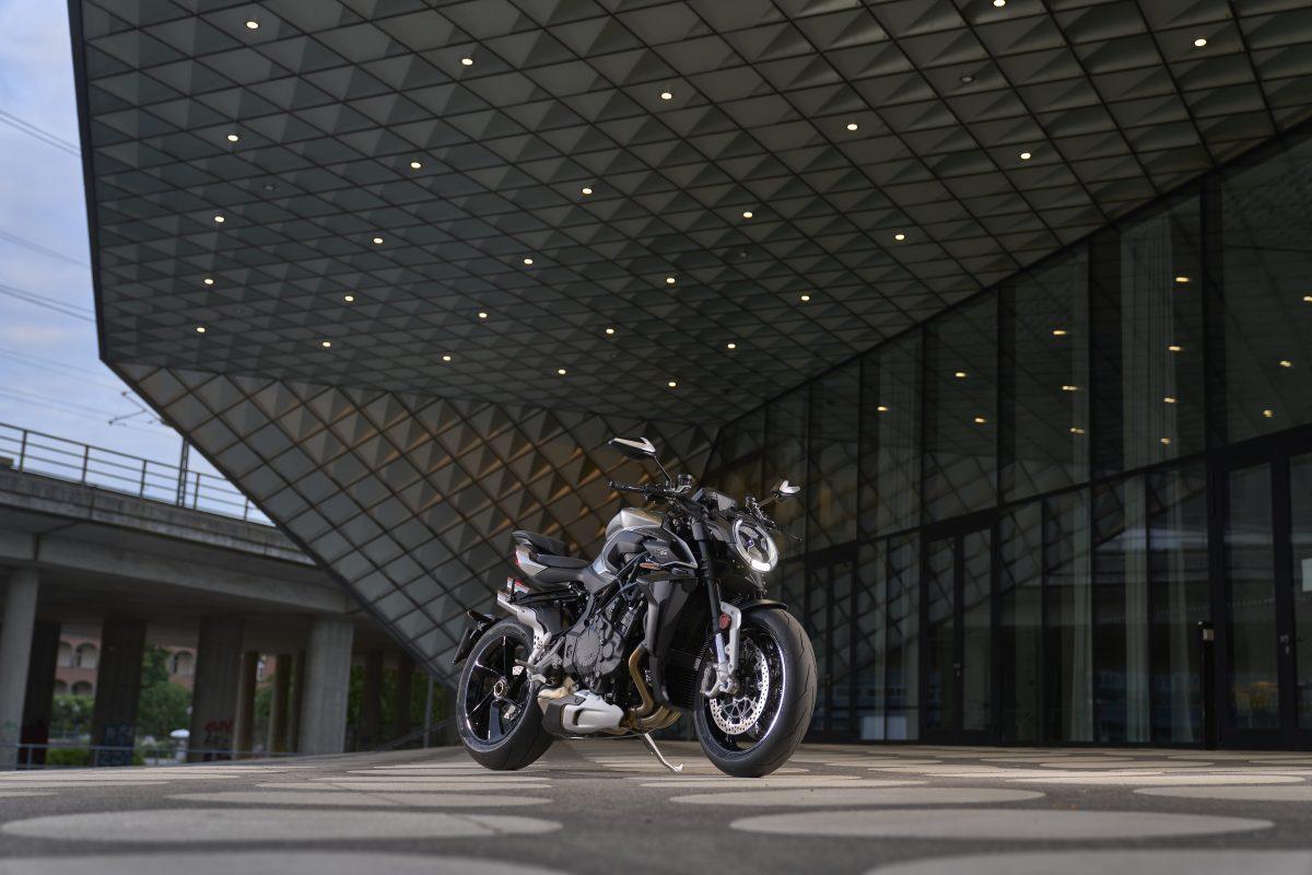 2022 MV AGUSTA Brutale 1000 RS发表:售价更亲民的行动艺术品-第44张图片-春风行摩托车之家