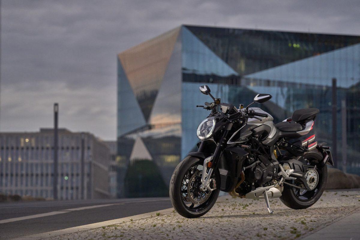 2022 MV AGUSTA Brutale 1000 RS发表:售价更亲民的行动艺术品-第49张图片-春风行摩托车之家