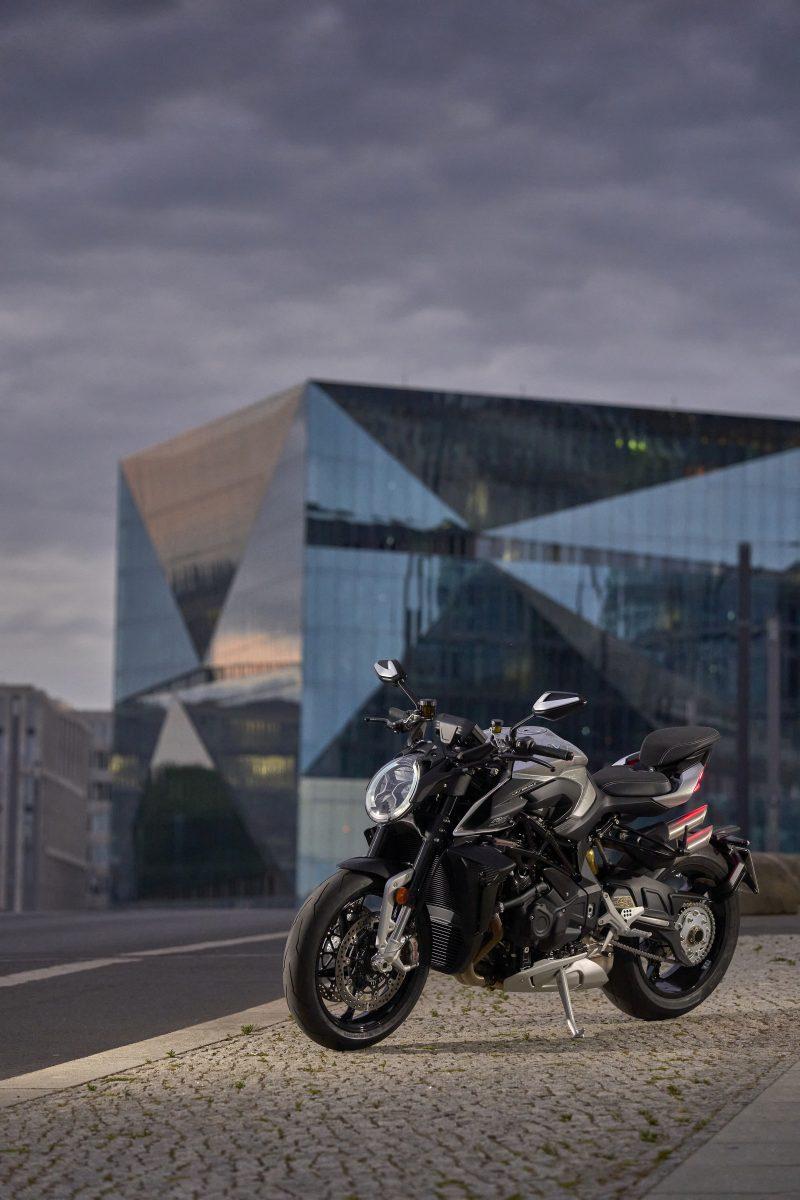 2022 MV AGUSTA Brutale 1000 RS发表:售价更亲民的行动艺术品-第50张图片-春风行摩托车之家