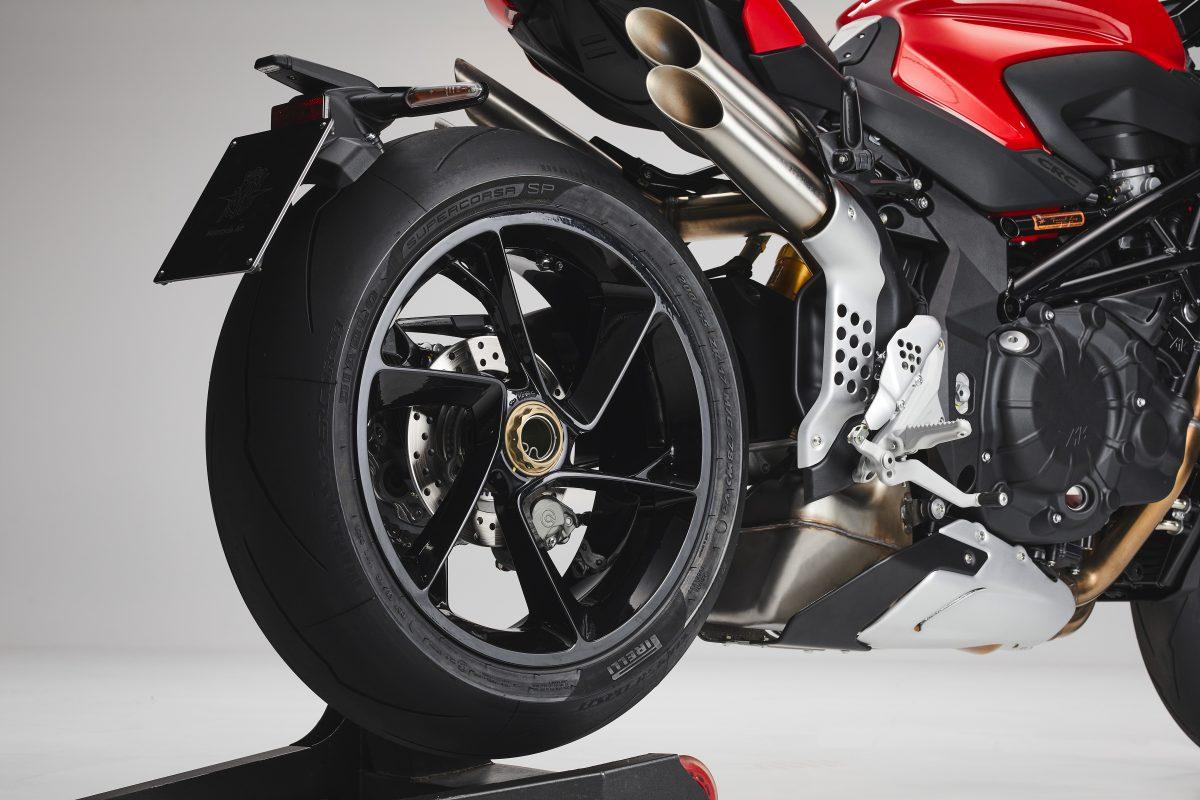 2022 MV AGUSTA Brutale 1000 RS发表:售价更亲民的行动艺术品-第58张图片-春风行摩托车之家