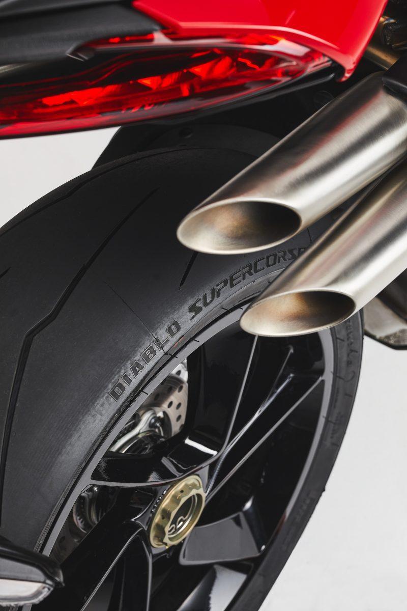 2022 MV AGUSTA Brutale 1000 RS发表:售价更亲民的行动艺术品-第59张图片-春风行摩托车之家