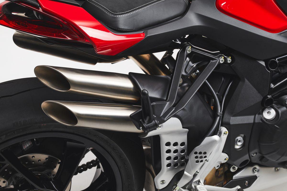 2022 MV AGUSTA Brutale 1000 RS发表:售价更亲民的行动艺术品-第65张图片-春风行摩托车之家