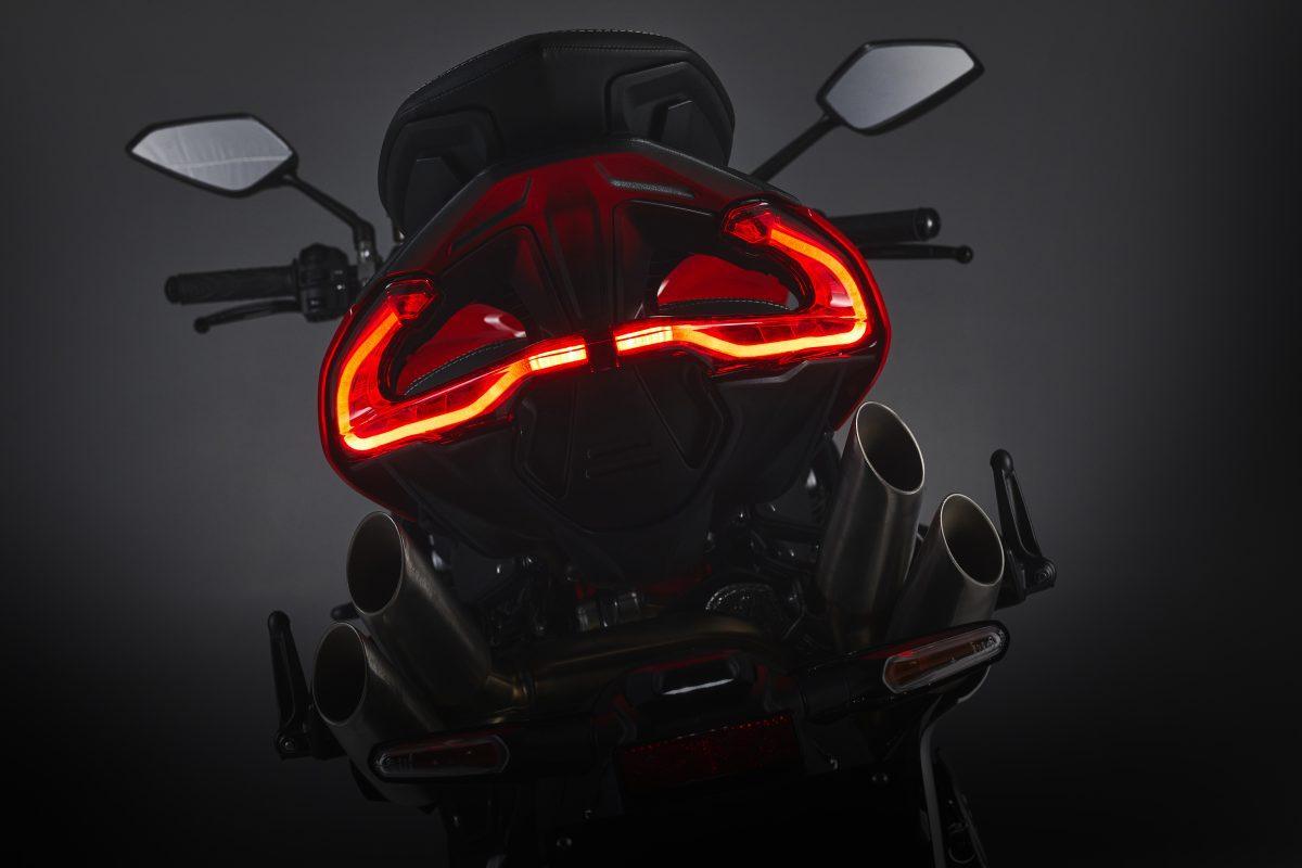 2022 MV AGUSTA Brutale 1000 RS发表:售价更亲民的行动艺术品-第86张图片-春风行摩托车之家
