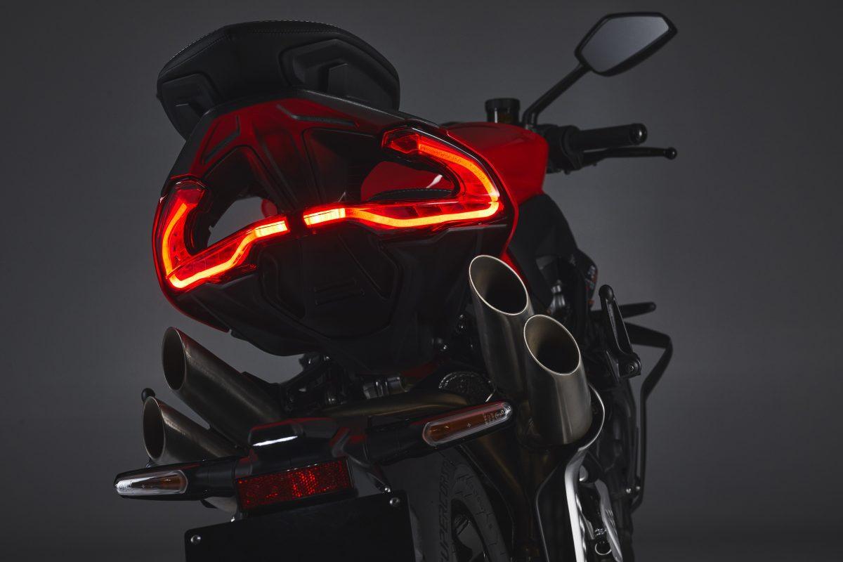 2022 MV AGUSTA Brutale 1000 RS发表:售价更亲民的行动艺术品-第87张图片-春风行摩托车之家