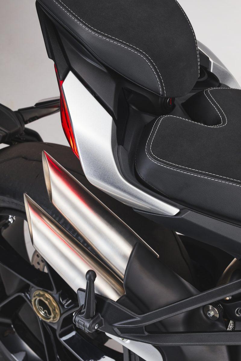 2022 MV AGUSTA Brutale 1000 RS发表:售价更亲民的行动艺术品-第94张图片-春风行摩托车之家