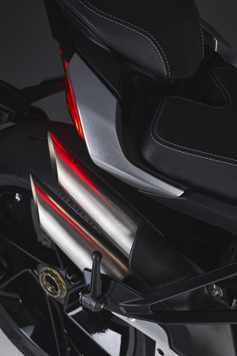 2022 MV AGUSTA Brutale 1000 RS发表:售价更亲民的行动艺术品-第95张图片-春风行摩托车之家