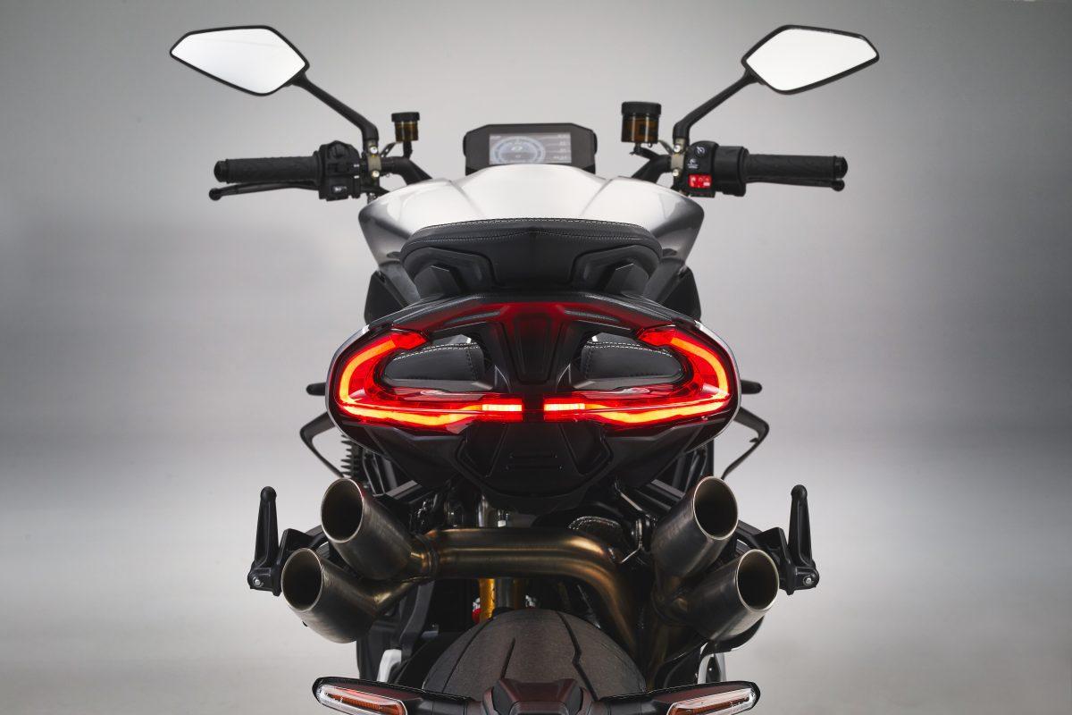2022 MV AGUSTA Brutale 1000 RS发表:售价更亲民的行动艺术品-第100张图片-春风行摩托车之家