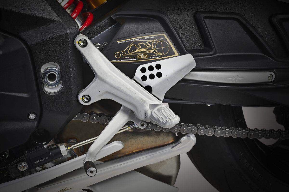 2022 MV AGUSTA Brutale 1000 RS发表:售价更亲民的行动艺术品-第102张图片-春风行摩托车之家