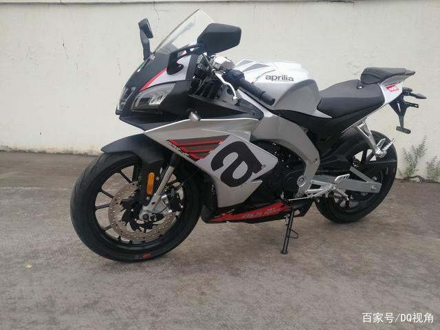 中国市场特供摩托,阿普利亚Tuono250来袭,单缸27马力外观老旧-第2张图片-春风行摩托车之家