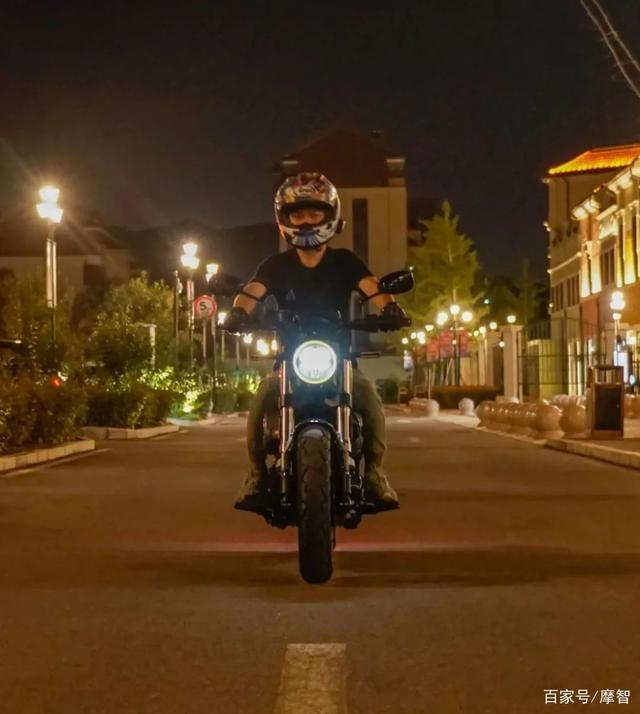 大升级更年轻更纯粹的V缸Bobber—轻骑骁胜GV300S炫版首测-第7张图片-春风行摩托车之家