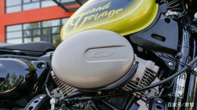 大升级更年轻更纯粹的V缸Bobber—轻骑骁胜GV300S炫版首测-第20张图片-春风行摩托车之家