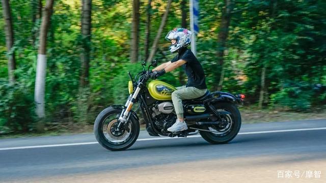 大升级更年轻更纯粹的V缸Bobber—轻骑骁胜GV300S炫版首测-第30张图片-春风行摩托车之家