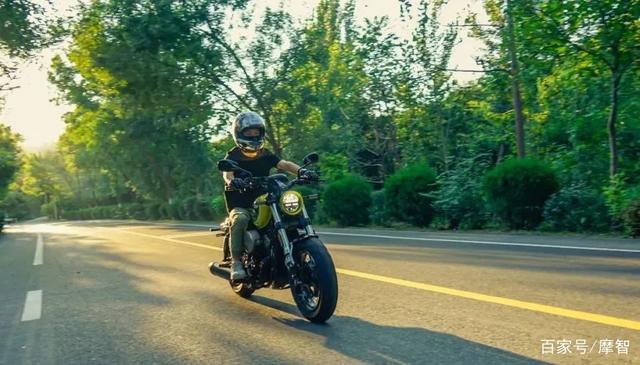 大升级更年轻更纯粹的V缸Bobber—轻骑骁胜GV300S炫版首测-第29张图片-春风行摩托车之家
