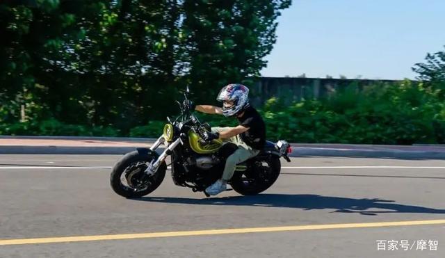 大升级更年轻更纯粹的V缸Bobber—轻骑骁胜GV300S炫版首测-第38张图片-春风行摩托车之家