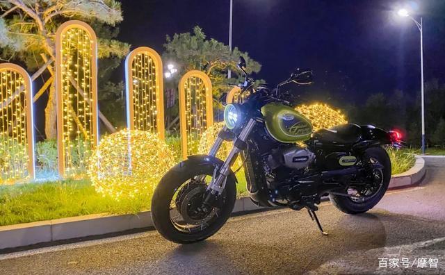 大升级更年轻更纯粹的V缸Bobber—轻骑骁胜GV300S炫版首测-第40张图片-春风行摩托车之家